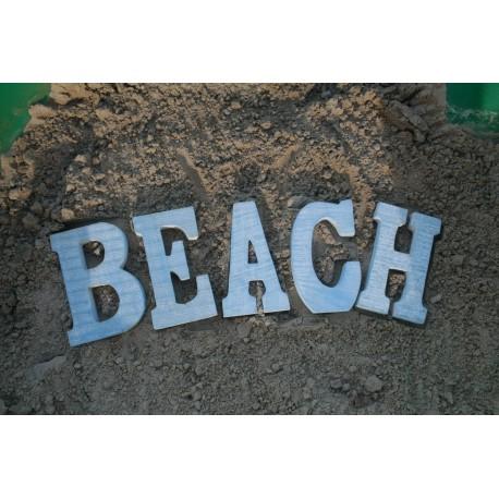 BEACH 5 houten blauwe letters