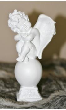 Keramiek beeldje van engel / slapend ca. 18 cm hoog