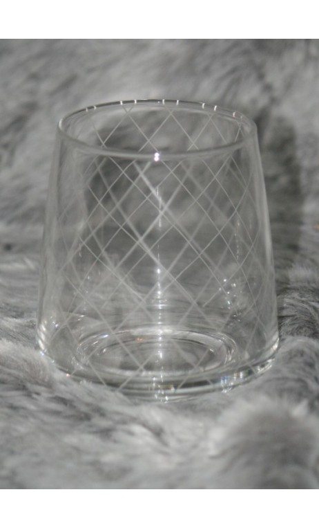 Glass tumbler geruit