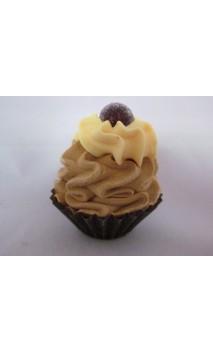 Petit four: Mokka, gele creme met een chocolaatje erop