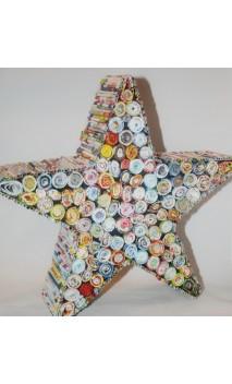 Handgemaakte ster van papierrolletjes 31 x 31 cm