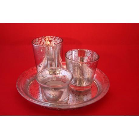 3 oudzilveren glaasjes op poligny bord